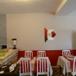 Mur, plafond, chaise